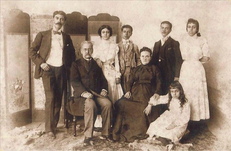 File:Palma Ricardo e hijos.jpg