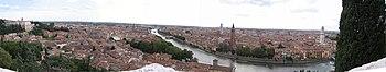 Panorama della città da Castel San Pietro