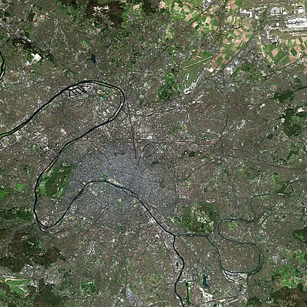 Paris and its suburbs, as seen from the Spot Satellite Paris SPOT 1017.jpg