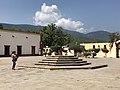 Patio de Iglesia de Jalpan de Serra.jpg
