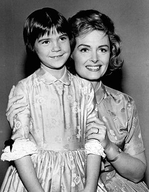 The Donna Reed Show - Reed with Patty Petersen, who played Trisha, 1963.