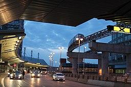 Pearson Airport Link train 6833090206
