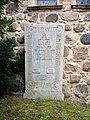 Petschow Kirche Grabstein 01.jpg