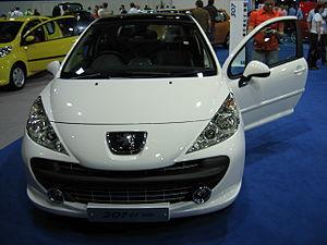 Peugeot 207 GT HDi - Flickr - robad0b.jpg