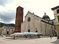 Pietrasanta-duomo-complesso da piazza Duomo4.jpg