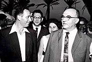PikiWiki Israel 2736 Levi Eskol amp; Shimon Peres פגישה עם אשכול ופרס