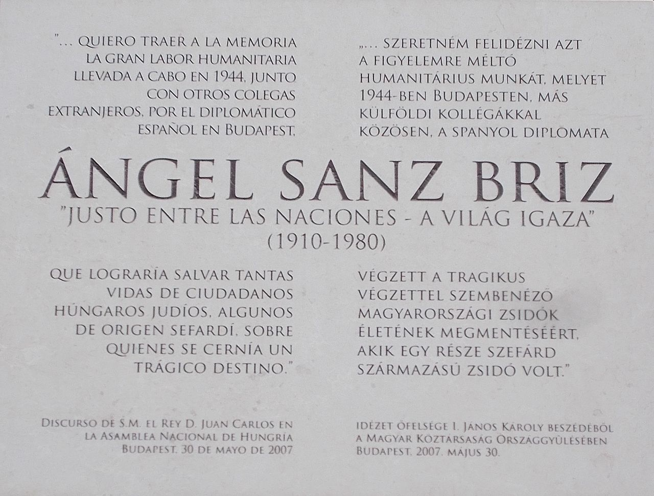 File:Plaque of the Spanish diplomat Mr  Angel Sanz Briz