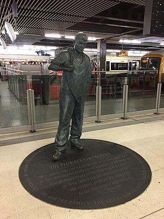 Worshipful Company of Plumbers - The Plumber's Apprentice by Martin Jennings unveiled in 2011 at Cannon Street station