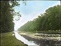Pool at Hampton Court Palace, England (5140461274).jpg