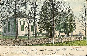 Brooklyn, Connecticut - Old Trinity Church (postcard from 1907)