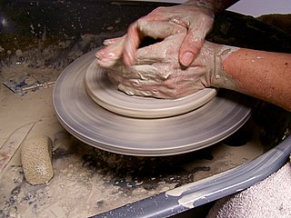 Potter-helen-dixon-at-work3.jpg