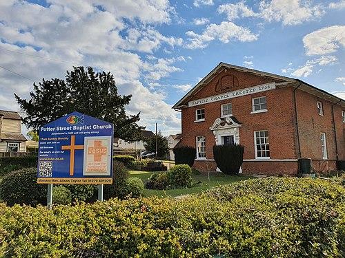 Potter Street Baptist Church, Harlow, April 2021.jpg