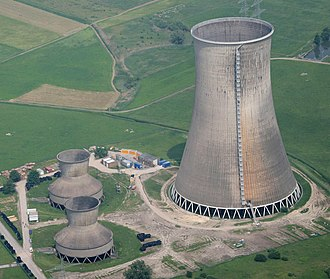 Cooling tower - Forced draft wet cooling towers (height: 34 meters) and natural draft wet cooling tower (height: 122 meters) in Westfalen, Germany.