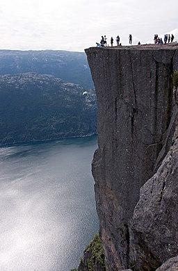 Preikestolen - Norway - panoramio - Sergey Ashmarin