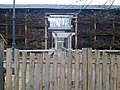 Przed wejściem do tężni (w marcu nieczynna) - panoramio.jpg