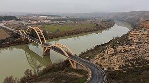 Sástago - View of Sastago and the bridge over the Ebro river.