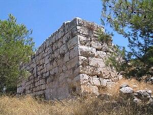 Ruine der Burg Cola, 2009