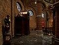 Raamsdonk - Interieur H. Bavokerk 4.jpg