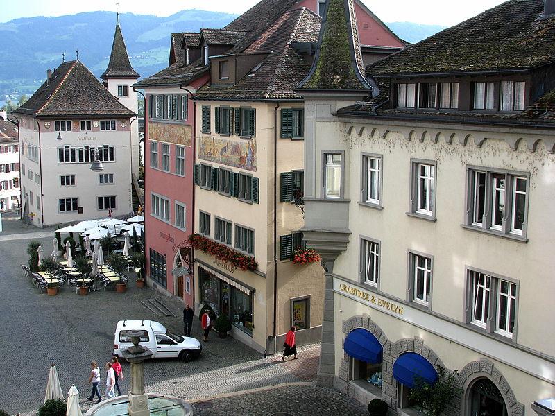 File:Rapperswil - Hauptplatz lMG 0356.JPG