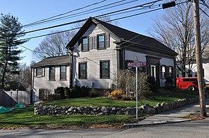 Luther Elliott House - Image: Reading MA Luther Elliott House