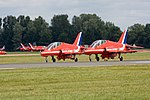 Red Arrows 01 (3756456282).jpg