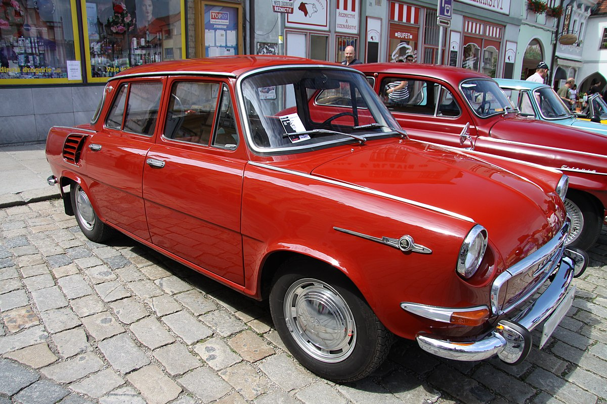 [Obrazek: 1200px-Red_Skoda_1000_MB_in_Pisek_in_2011_%281%29.JPG]