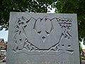 Reliëf van het Oorlogsmonument aan de Schoolstraat te Rosmalen.jpg