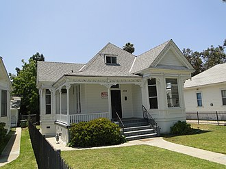 27th Street Historic District - Queen Anne style home at 1014 E. 27th St.
