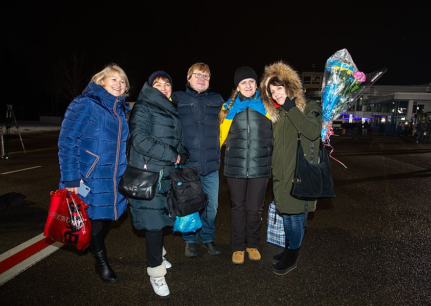 Return of liberated citizens to the territory controlled by Ukraine (2019-12-29) 017.jpg