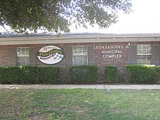 Revised Leon Sanders Municipal Building, Plain Dealing, LA IMG 6335.jpg