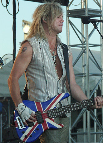 Def Leppard - Bassist Rick Savage