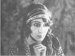 Cinema of Iran - Roohangiz Saminejad in Lor Girl (1933)
