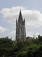 Saintes (17) Basilique Saint-Eutrope Extérieur 01.JPG