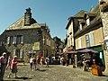 Salers , pays de pierre et de grands espaces, situé entre Dordogne et Puy-Mary - Patrick Nouhailler - panoramio.jpg