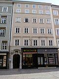 Salzburg_(Residenzplatz-3).jpg