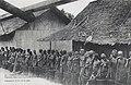 Samba (N'Gounié)-Femmes dans une caravane libre Ashango.jpg
