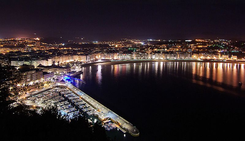 File:San Sebastian at night from Monte Urgull.jpg