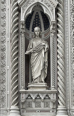 Santa Reparata, Florence - Statue of Santa Reparata at the central portal of Florence Cathedral
