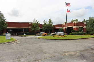 Savannah Technical College - Image: Savannah Technical College, Crossroads Technology Campus front