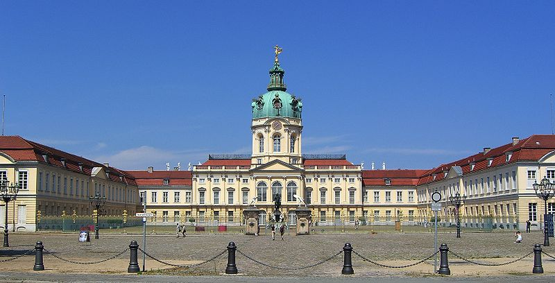 Archivo:Schloss Charlottenburg Berlin 2007.jpg
