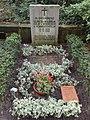 Schwerin von Schwanenfeld grave.jpg