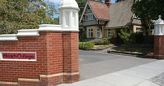 "Scotch College, Melbourne - The name ""Scotch College"" appears at the entrance to the boarding precinct (2009)"