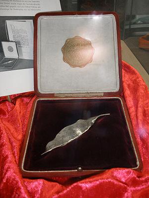 Silbernes Lorbeerblatt - The first Silbernes Lorbeerblatt which was awarded to a team