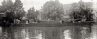 Canon de 138 mm Modèle 1893 naval gun - Another view of an Chaloupe-canonnière fluviale type A gunboat.