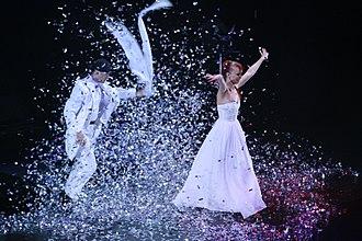 Sos and Victoria Petrosyan - Sos Victoria Petrosyan Quick Change Magicians