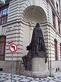 Staré Město, nová radnice, železný rytíř (01).jpg