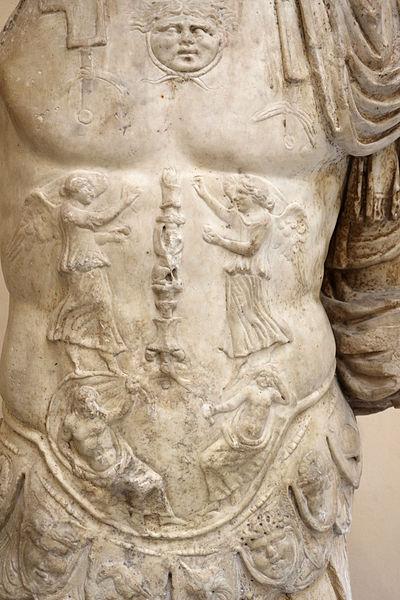 File:Statua loricata con oceano e tellus sulla corazza, 20-1 ac ca., dal campo della mgna mater, 02.JPG