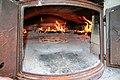 Steinbakt pizza i pizzaovn.jpg