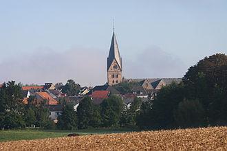 Steinheim, Westphalia - View of Steinheim with the Catholic Parish Church of Saint Mary