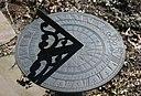 http://upload.wikimedia.org/wikipedia/commons/thumb/3/3a/Sundial_2r.jpg/128px-Sundial_2r.jpg